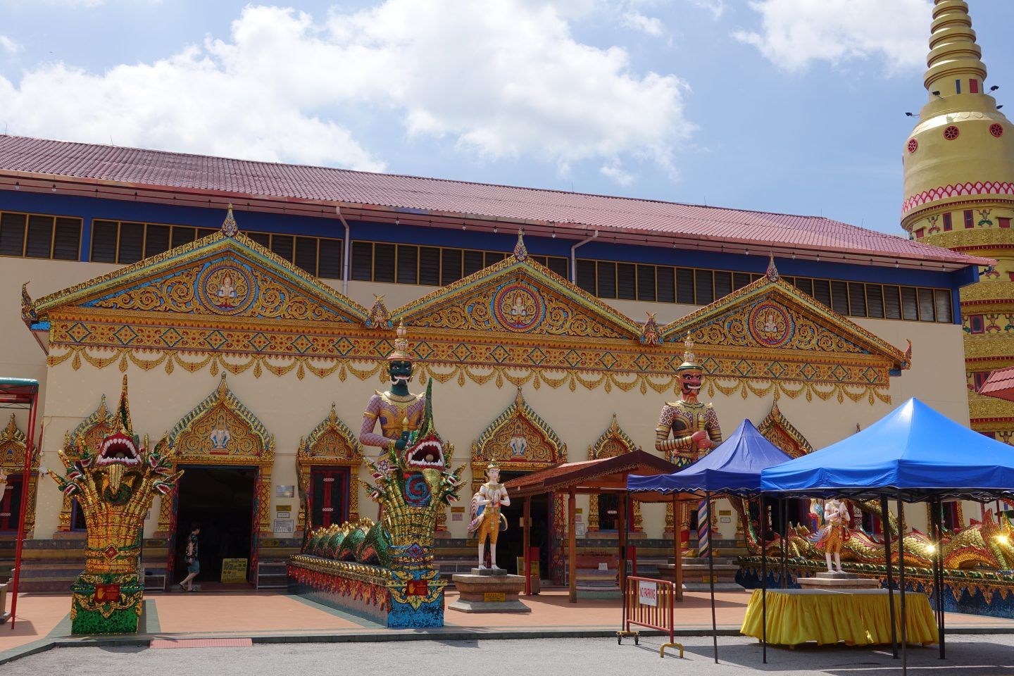 Visiting the Reclining Buddha Temple in Penang